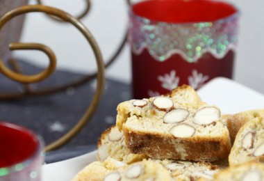 weihnachtliche Cantuccini ( italienische Mandelkekse )