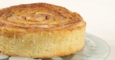 Hefeteig – Zimtschneckenkuchen ( Cinnamon Buns Cake )