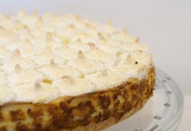 vanilliger Ananaskuchen mit Kokosbaiser