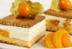 Butterkekskuchen mit Vanillepudding und Früchten