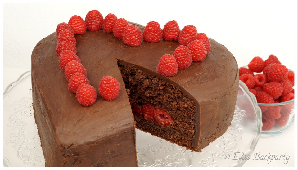 Schokoladenherz angeschnitten