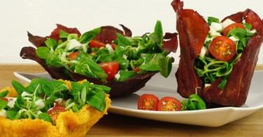 essbare Salatschalen / Tomaten Mozzarella Salat