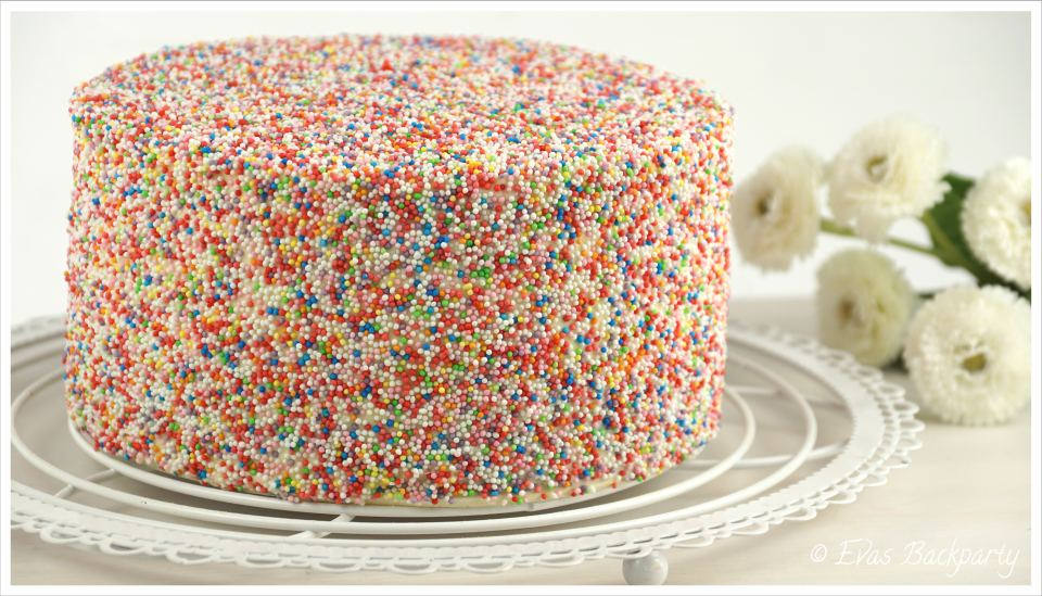 Regenbogentorte Rainbow Cake Evasbackparty