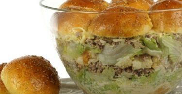 Burgersalat mit Sesam Buns