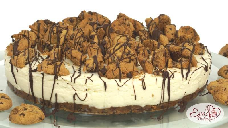 Cookie-Torte mit Cookie Dough Kugeln