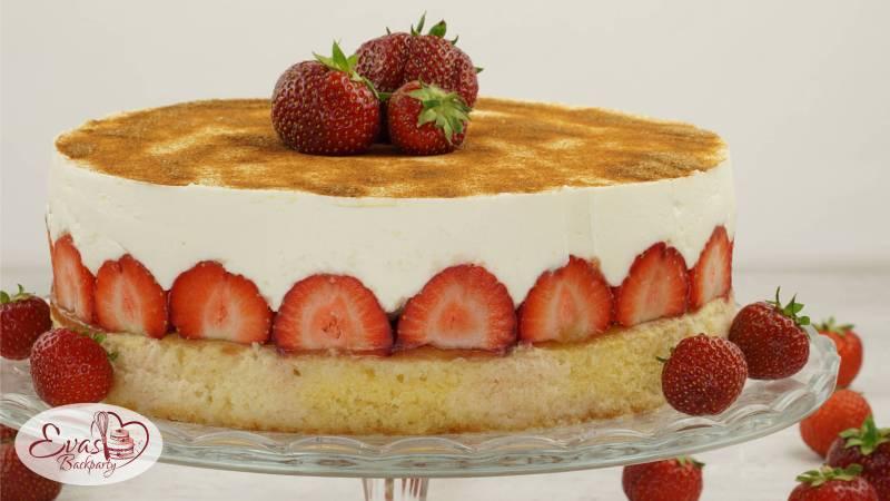 Fanta-Kuchen mit Erdbeeren