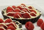 Himbeer-Tartelettes mit weißer Schokolade