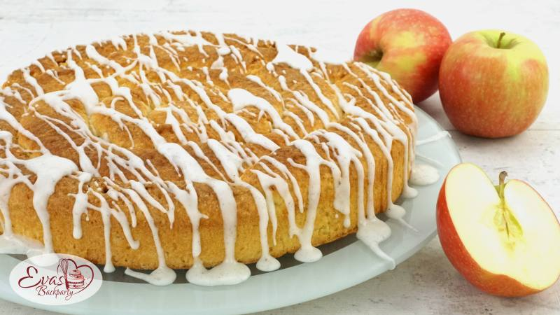 Bratapfel-Zimt-Schnecke mit Vanille