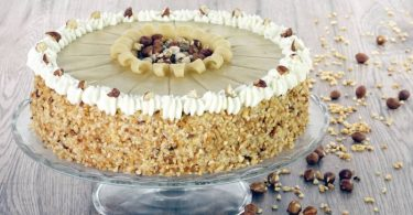 Haselnuss-Marzipan-Torte zu Weihnnachten